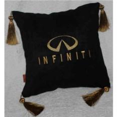 Черная подушка с золотыми кистями Infiniti