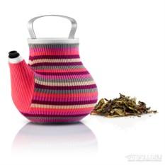 Розовый заварочный чайник в вязаном чехле Мy big tea