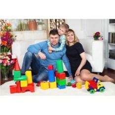 Семейная фотосессия с реквизитом и гардеробом