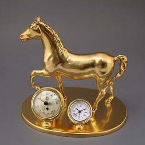 Лошадь золотая