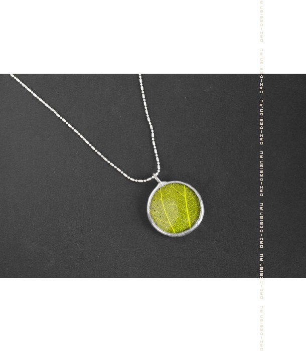 Кулон круглый Зеленый лист