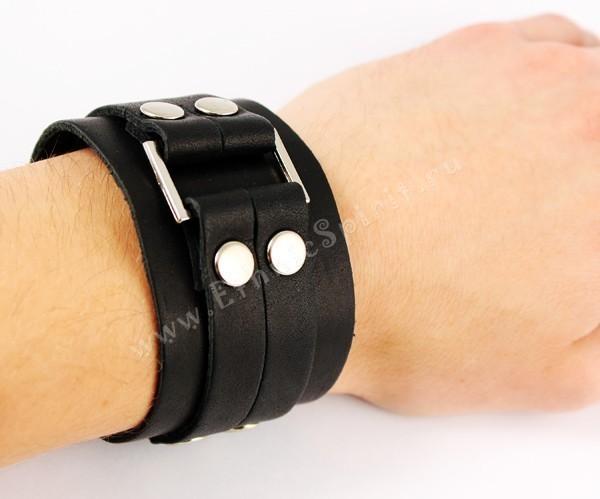Кожаный браслет с металлической вставкой своими руками 75