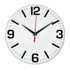 Настенные часы с черными цифрами