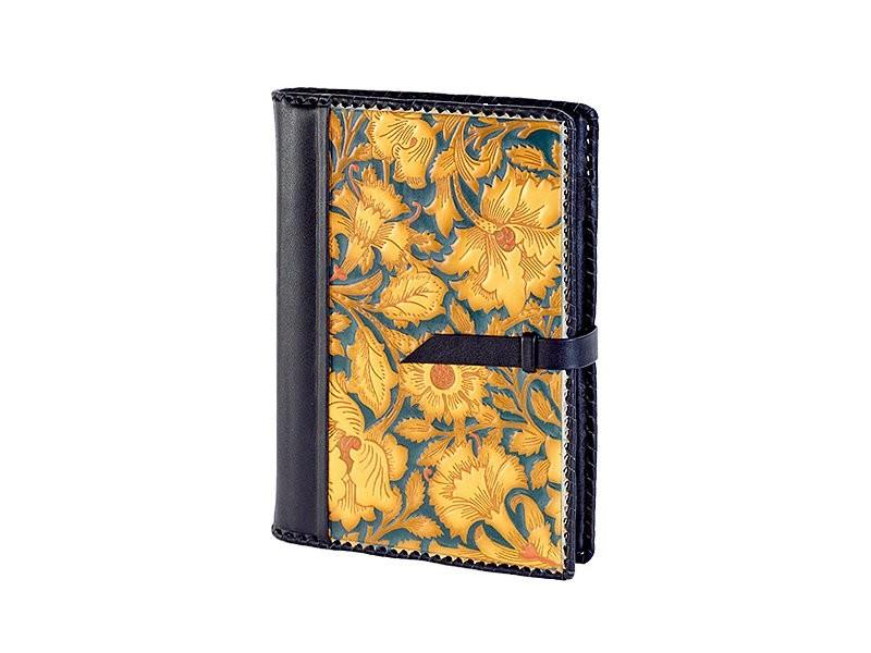 Ежедневник большого формата с художественной росписью
