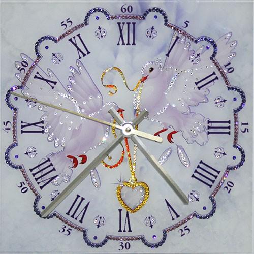 Часы с кристаллами Swarovski Любовь и голуби