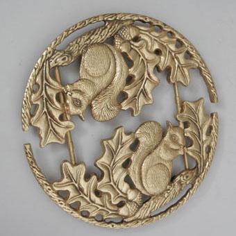 Подставка под горячее из бронзы Virtus «Белочки»