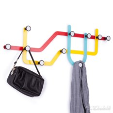 Цветная настенная вешалка Subway