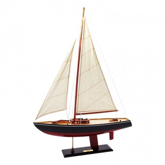 Яхта Omega