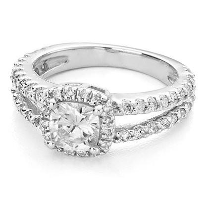 Широкое кольцо с бриллиантами и муассанитом Janette