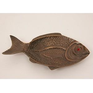Бронзовое блюдо Рыба