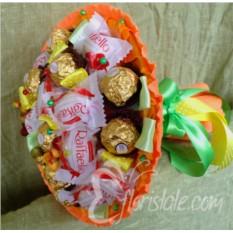 Букет из Ferrero Rocher и Raffaello
