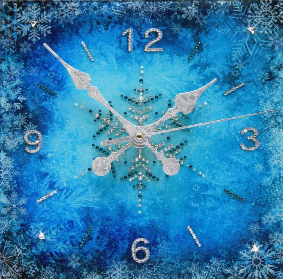 Настенные часы с кристаллами Swarovski Зимний узор