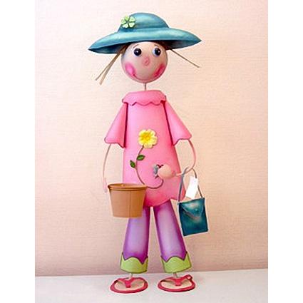 Декоративное украшение «Девочка в розовом»