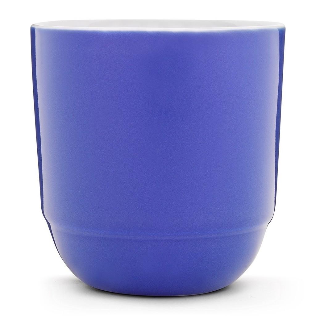 Синяя чашка для кофе
