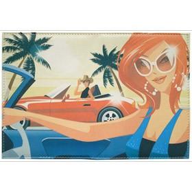 Обложка для автодокументов с изображением девушки в очках