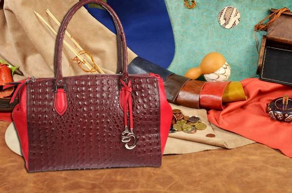 Красно-бордовая сумка Gianni Conti из натуральной кожи