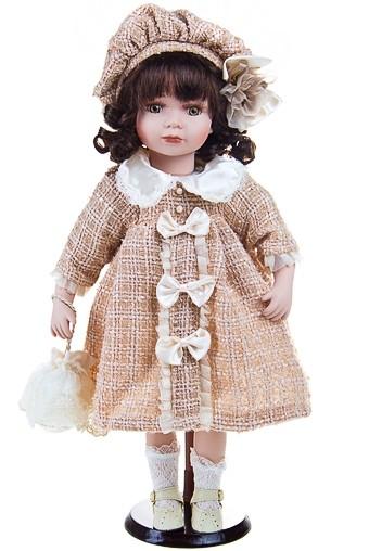 Кукла Очаровательная Бекки в беретке