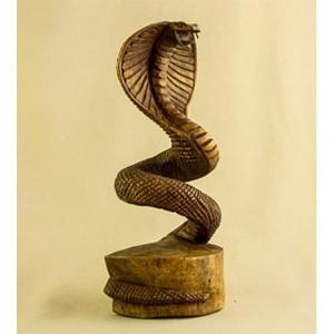 Скульптура из дерева Кобра, (20 см)