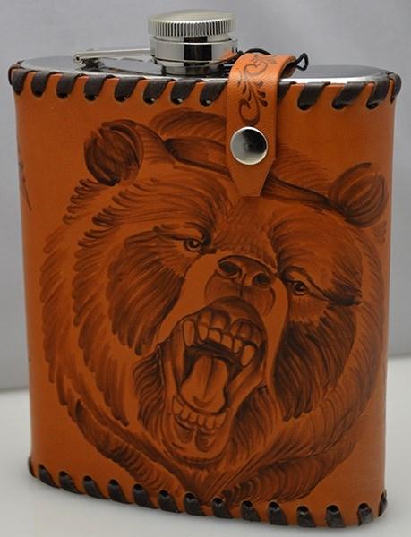Фляга Медведь в чехле из натуральной кожи