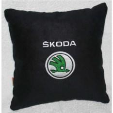Черная подушка Skoda