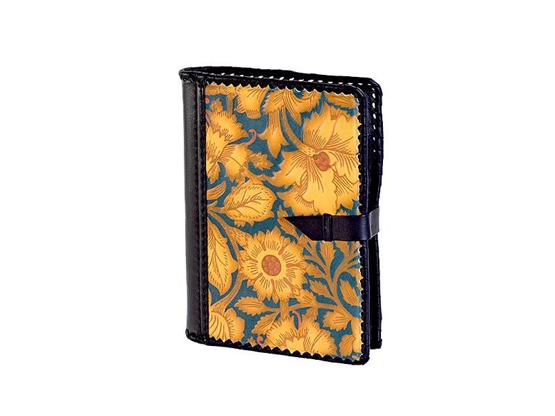Ежедневник в обложке из натуральной кожи с росписью