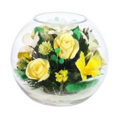 Композиция в вазе из роз и орхидей