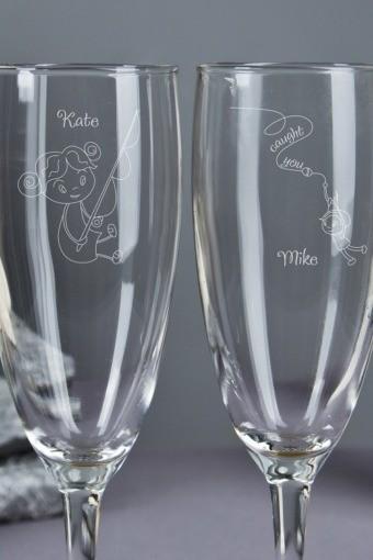 Бокалы для шампанского с вашим текстом На крючке