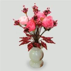 Цветы из граната в вазочке из оникса