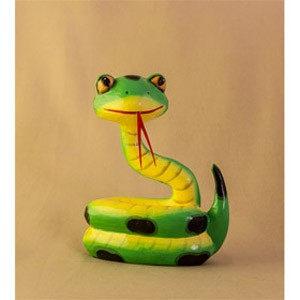 Фигурка из дерева Змейка забавная зеленая