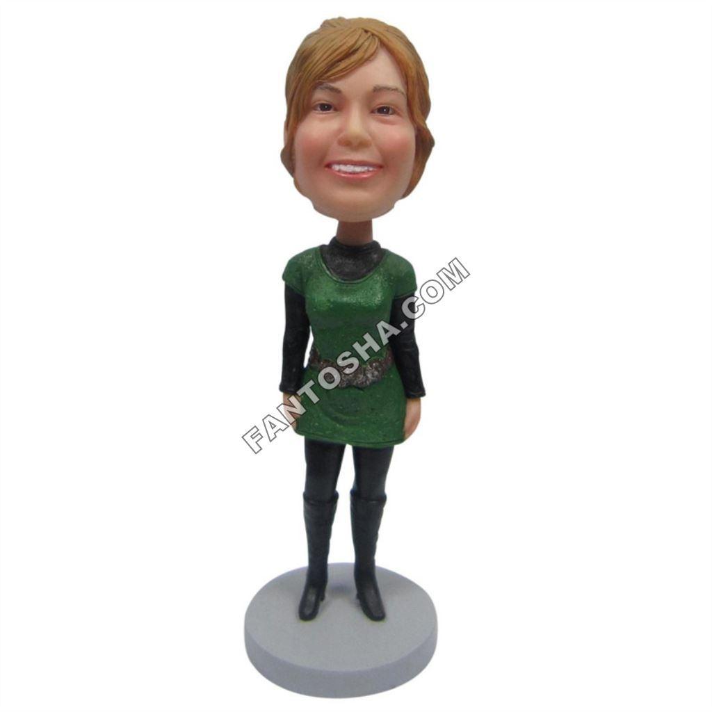 Фигурка Девушка в зеленой тунике