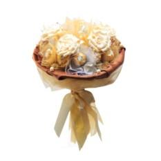 Букет из цветов и конфет Помпеи