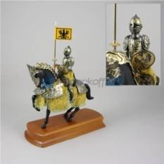 Статуэтка Конный рыцарь в желтом