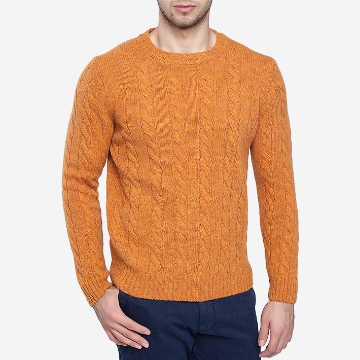 Оранжевый пуловер c фактурным узором