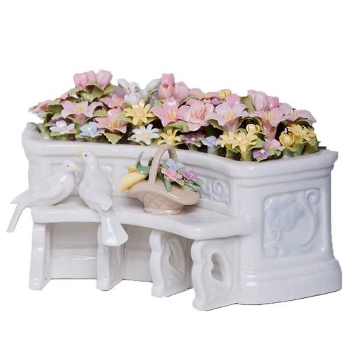 Музыкальная фигурка Свадебный цветочный алтарь