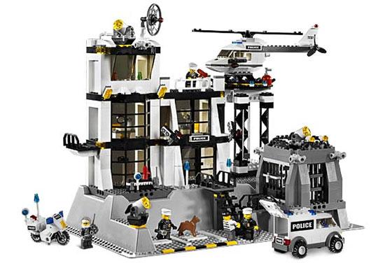 Игрушка LEGO: Полицейский участок