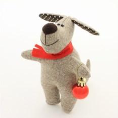 Игрушка ручной работы Собака с шариком - символ года 2018