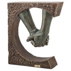Скульптура Рука об руку