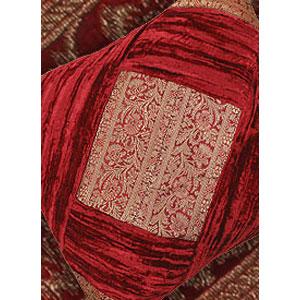 Декоративная наволочка «Классика» бордо