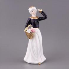 Статуэтка Дама с корзинкой цветов