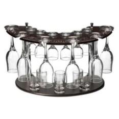Мини-бар с прозрачными бокалами