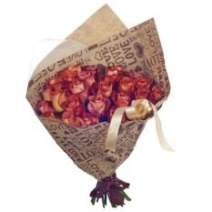 Букет из 25 роз в крафтбумаге