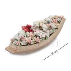 Фарфоровая композиция Щенки в цветочной лодке
