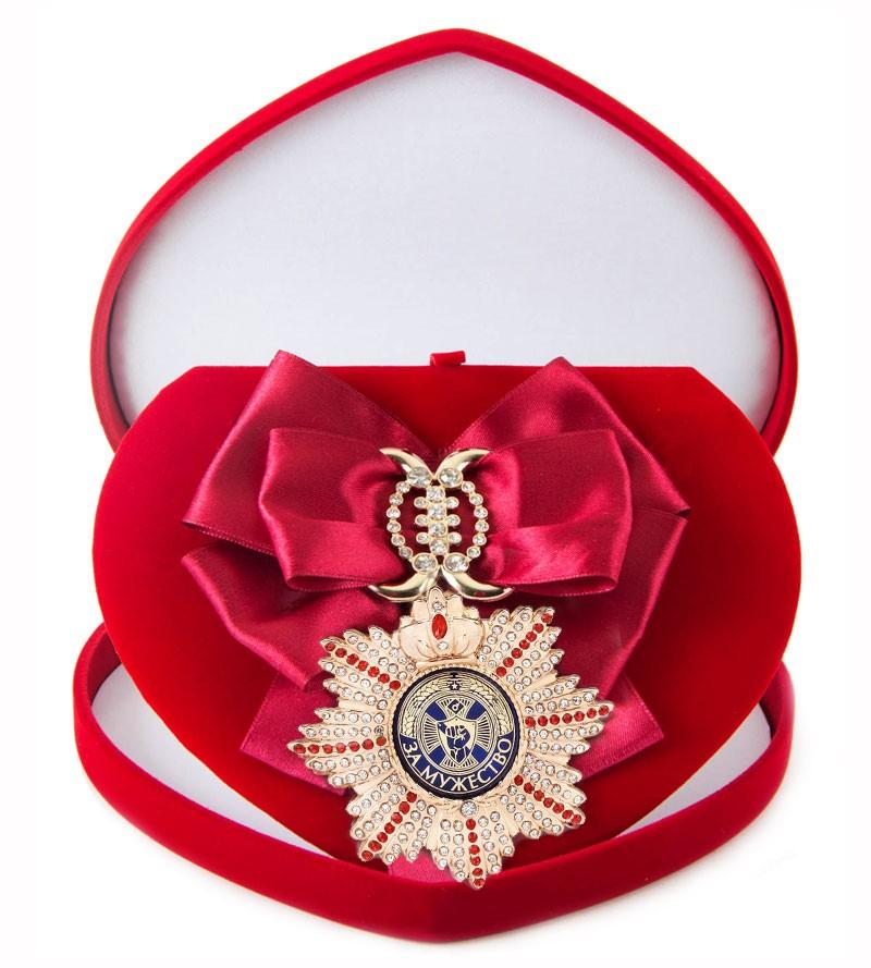 Большой Орден с малиновой лентой За мужество