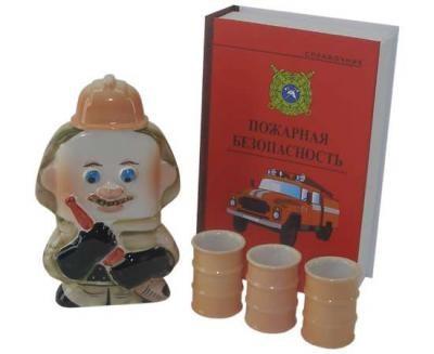 Подарочный штоф Пожарный со стопками в футляре-книге