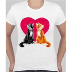 Женская футболка Котики на сердце