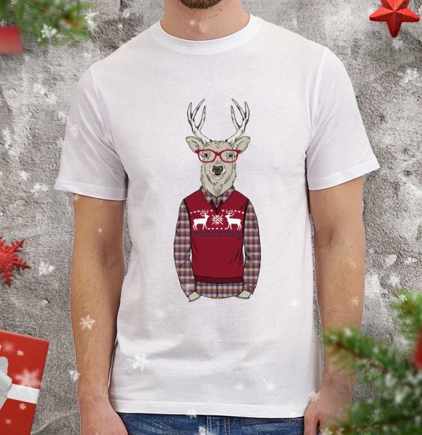 Мужская футболка Олень-хипстер в свитере с оленями