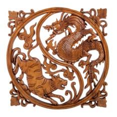 Резное панно Тигрица и дракон
