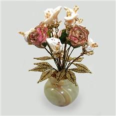 Цветы из перламутра в вазочке из оникса
