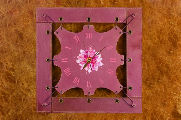 Часы из кожи Яркий цветок