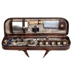 Набор для пикника в кожаном кейсе С размахом